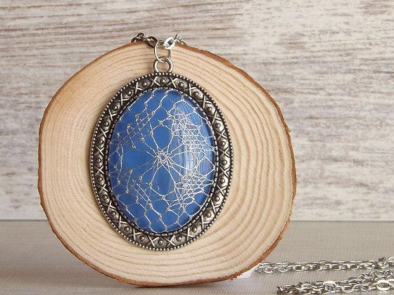Colgante Bárbara con cristal azul y encaje de bolillos HALAS