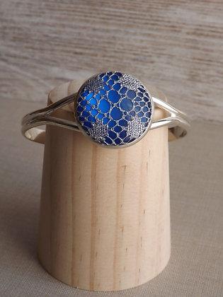 Brazalete Lucía con cristal azul y encaje HALAS