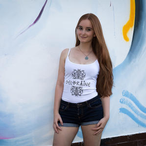 Top Deloraine white