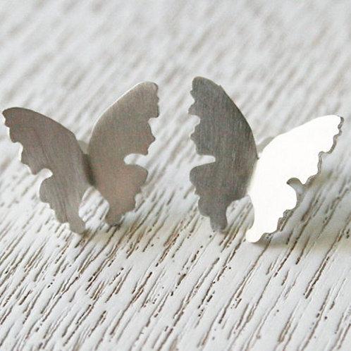 Perhonen nappikorvakorut