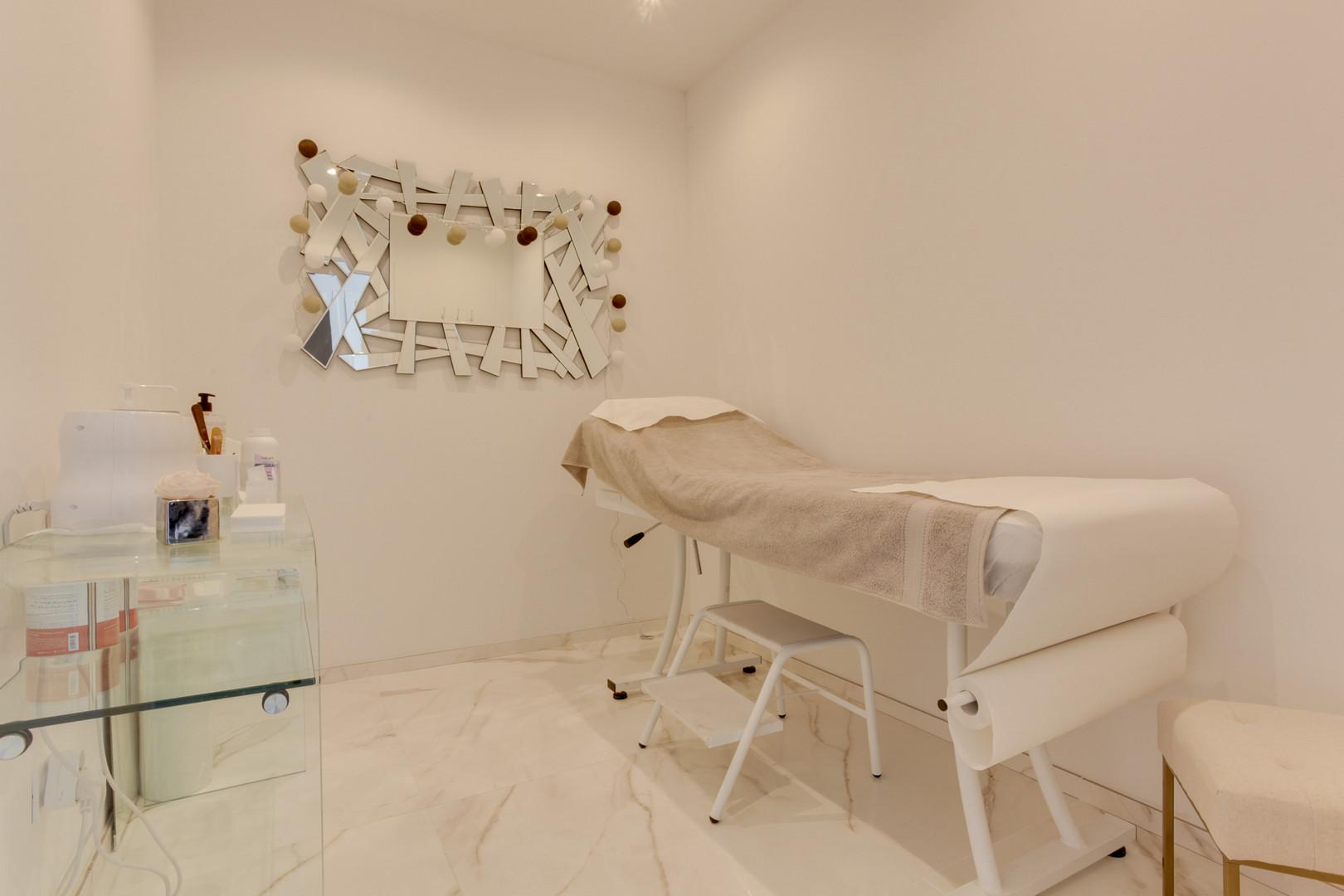 cabine d'épilation dans un espace zen