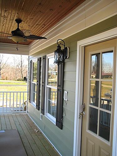 robys-lake-house-and-christmas-2011-family-photo-004_edited.jpg