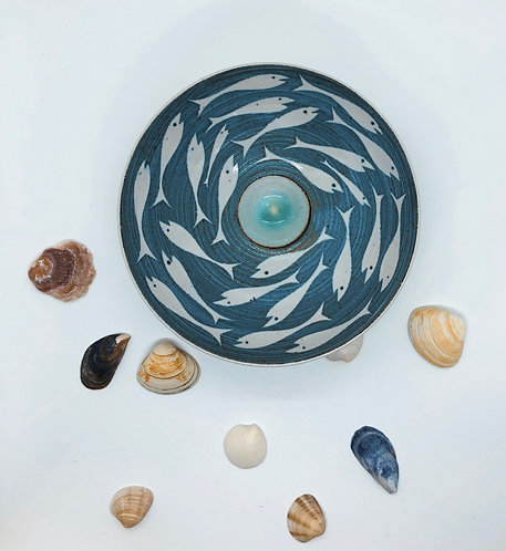 Coastal Hand Crafted Pottery Fish Collection Medium Bowl
