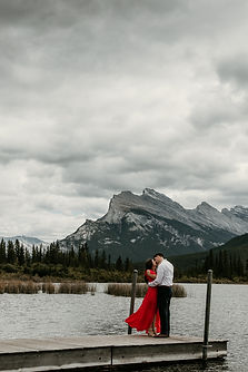 Sean-Sarah-Banff-Vermillion_Lakes-Red-Dr