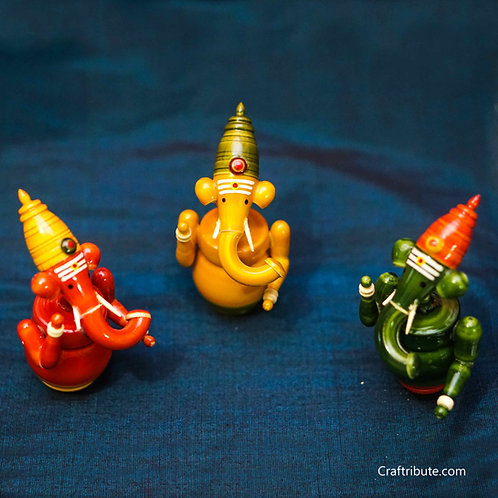Lacquer finished Wooden Ganesh - Set of 3