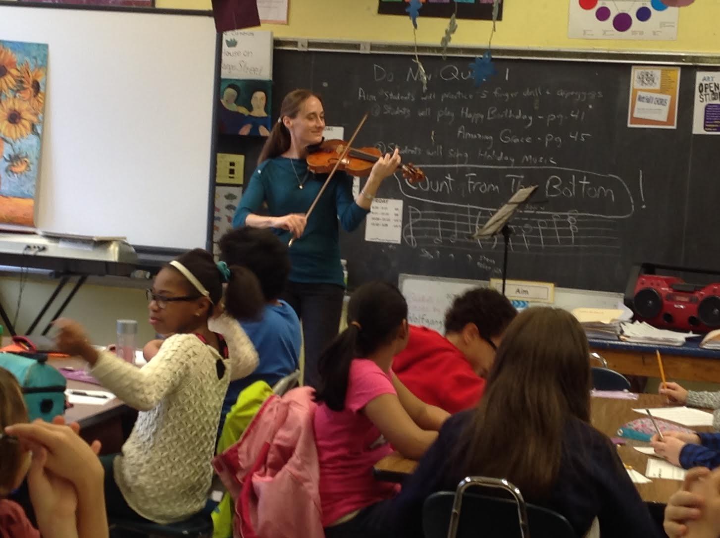 Violinist- Claudia Schaer
