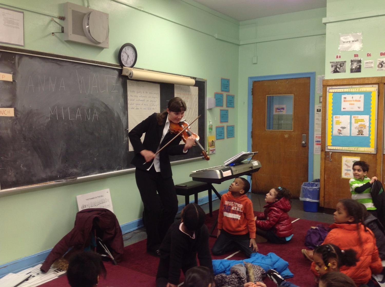 Violinist-- Anna Tsukervanik