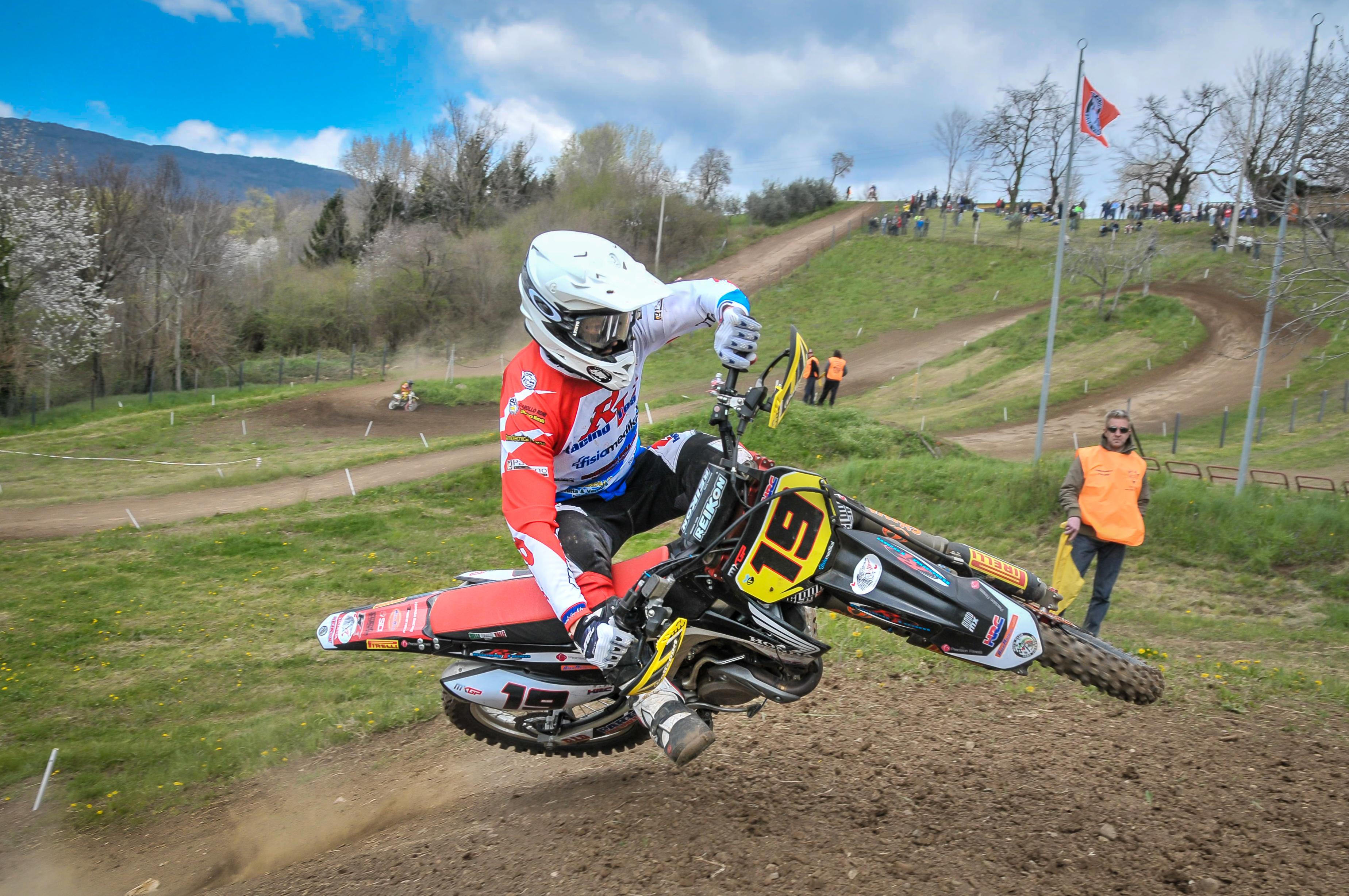 Foto pista motocross Fara5