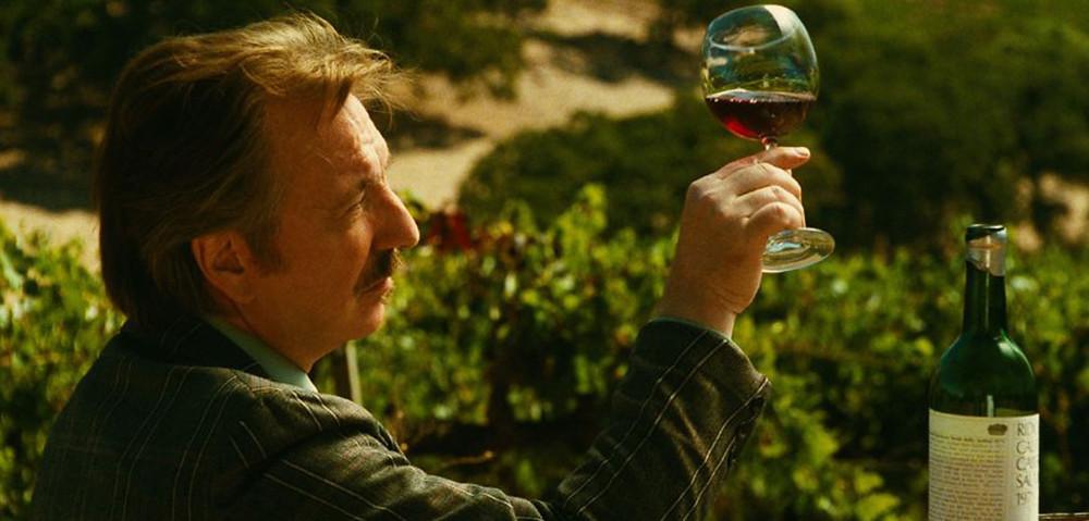 Alan Rickman como Steven Spurrier em O Julgamento de Paris (2008)