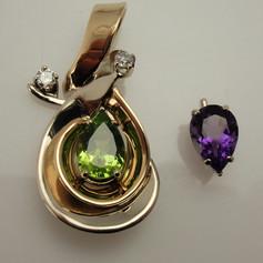 freeform pendant w/ removable replacable center gem