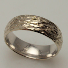 carve tree bark into a simple domed band