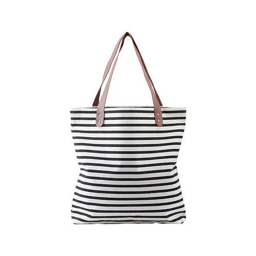 Schwarz-weiß gestreifte Tasche
