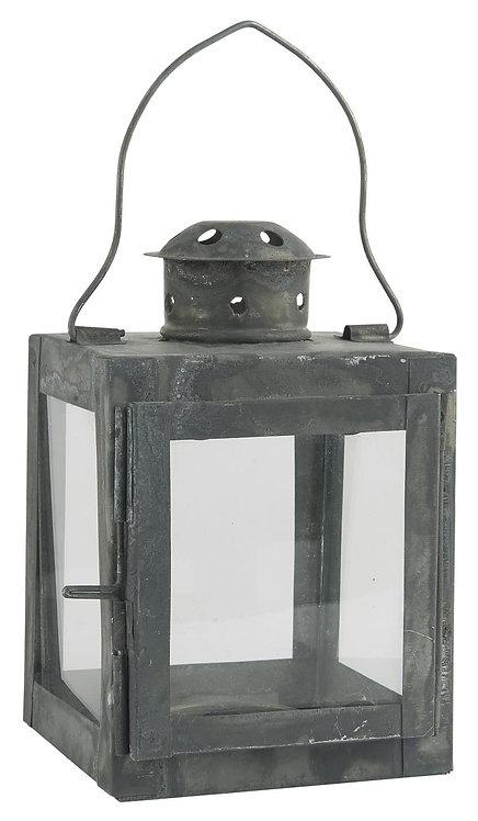 Laterne aus Glas und Metall