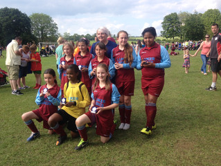 (2013-14) U11 Girls - runners-up in Charlbury Tournament