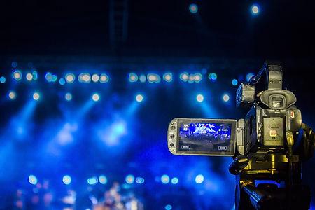 videographer-3753069_1920.jpg