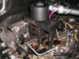 Diesel-Injector-removal1-300x225.jpg