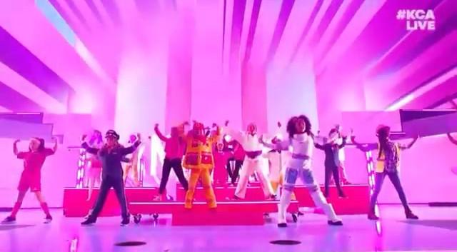 Kid Choice Awards - Barbie Promo