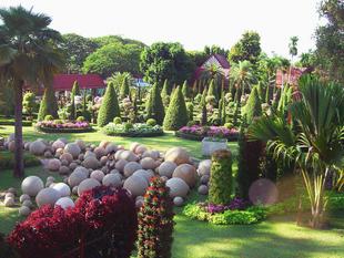 """Самые красивые ботанические сады нашей планеты. """"Нонг Нуч""""."""