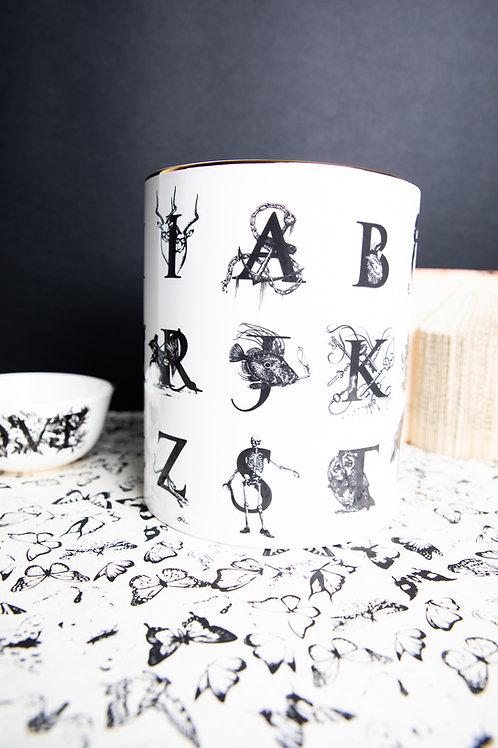 Alphabet Voluminous Vase / Rory Dobner