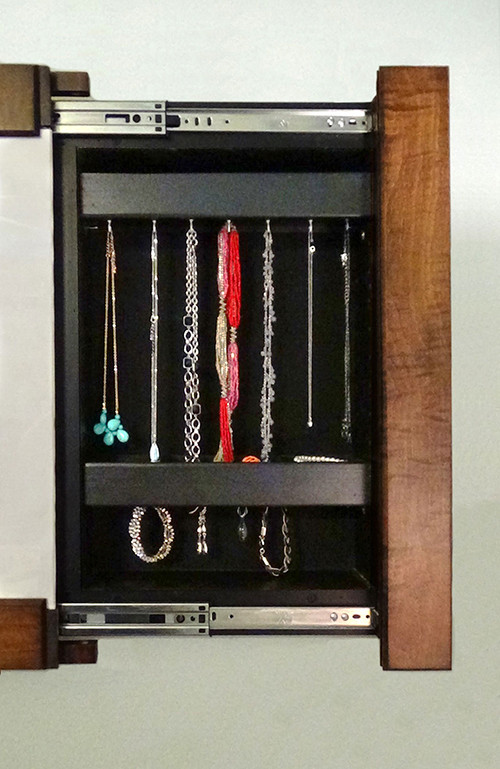 Jewelry-Hooks-Picture-Frame-2-1.jpg