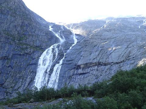 водопад бриксдаль