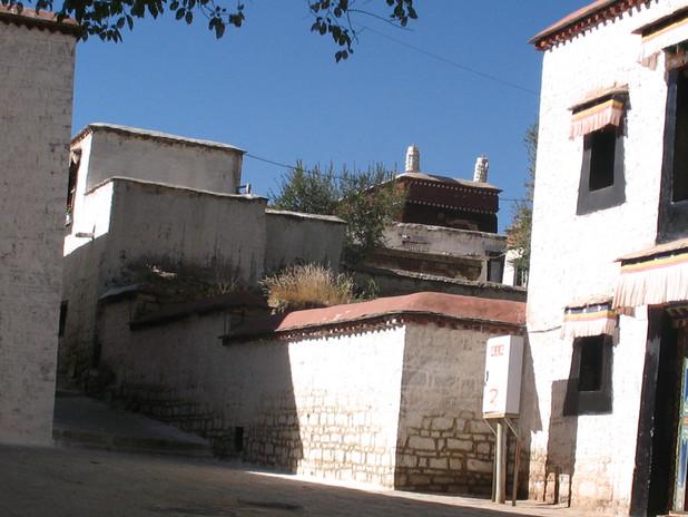 монастырь Сэра