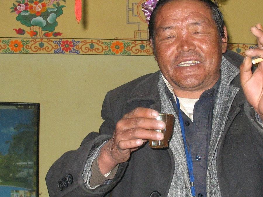 стопка тибетского чая
