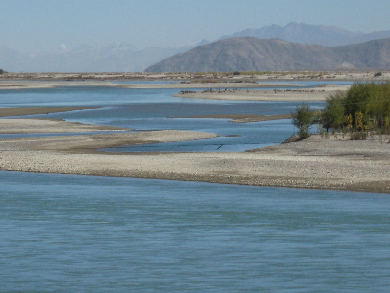 река Гьи-Чу в Лхасе, Тибет
