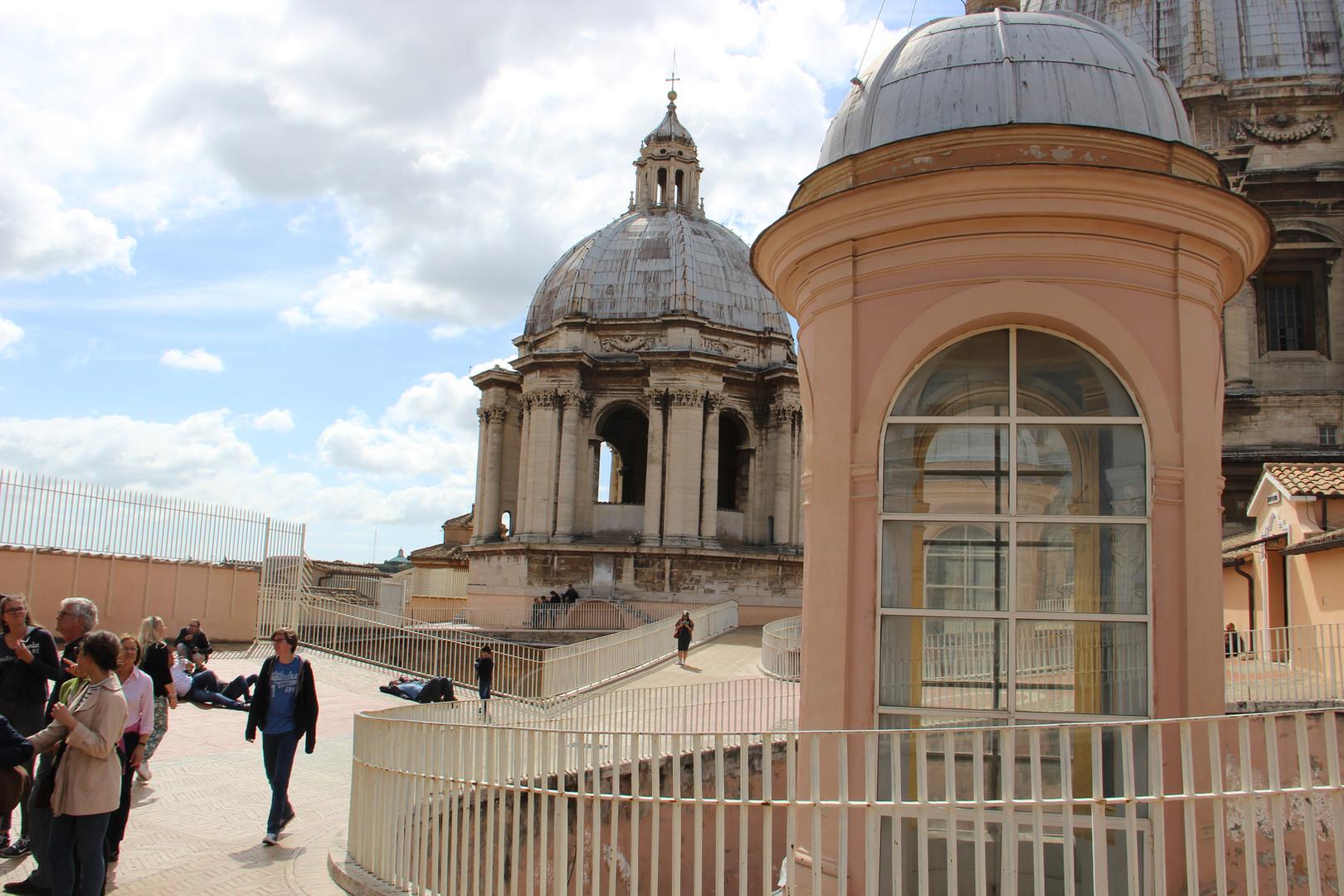 на крыше собора св.Петра