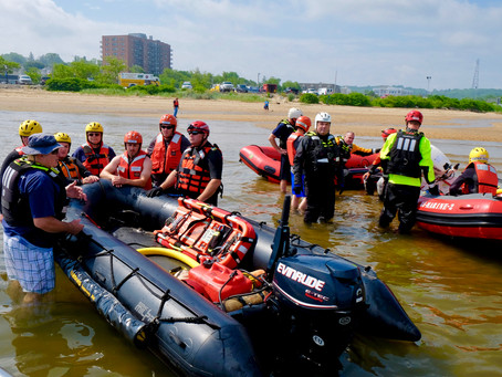 ATLANTIC HIGHLANDS FIRST RESPONDERS RESPOND TO A BOATER IN DISTRESS DURING A WATER RESCUE TRAINING E