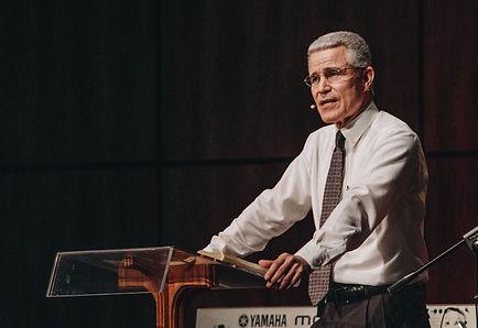 Pastor Abelardo.jpg