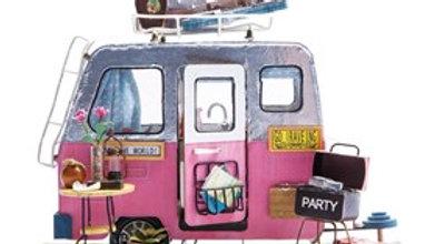 DIY Mini House Happy Camper
