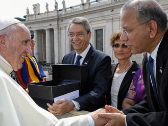 Sa Sainteté le Pape François accueille le Rotary