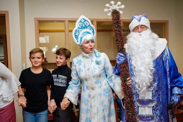 Grandfather Frost and Snow Maiden New Year party
