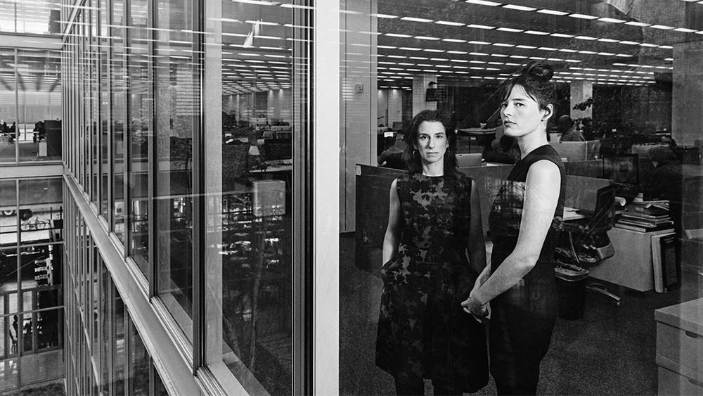 Jodi Kantor e Megan Twohey no escritório do New York Times - Imagem: Variety