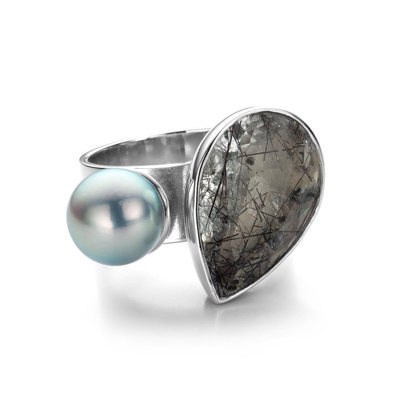 Ophelia's dream ring in gold rutilated quartz and akoya