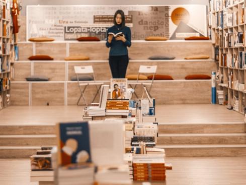 Mercado Editorial: Livros novos e baratos - A tendência das livrarias populares