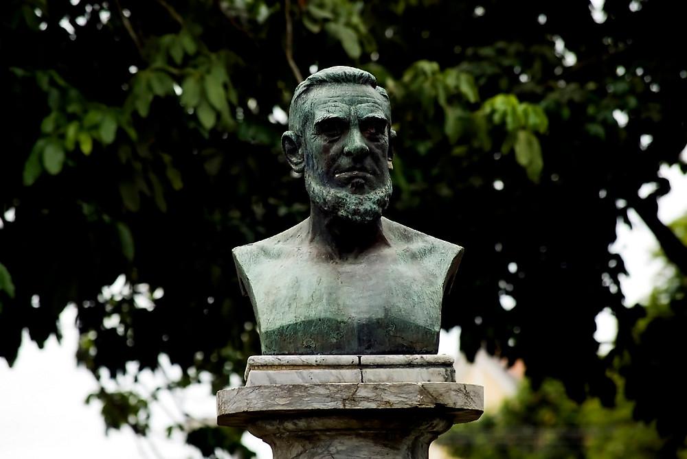 Busto de Joaquim Manuel de Macedo