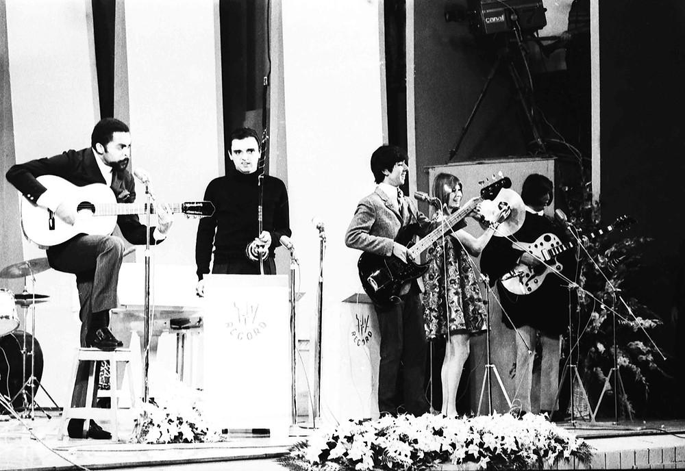 Domingo no Parque - Gilberto Gil e Mutantes