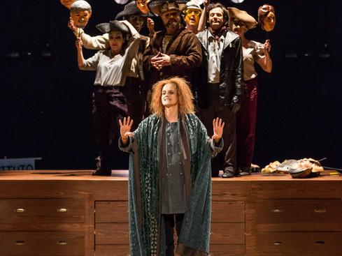 Peças Teatrais: Galileu Galilei - O carisma de Denise Fraga