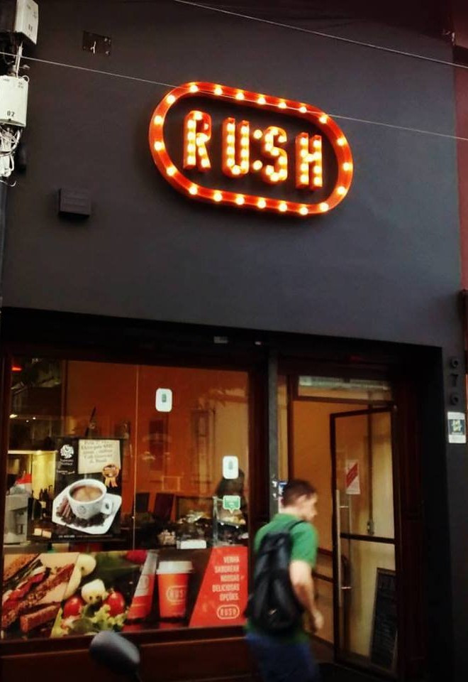 Restaurante e lanchonete Rush