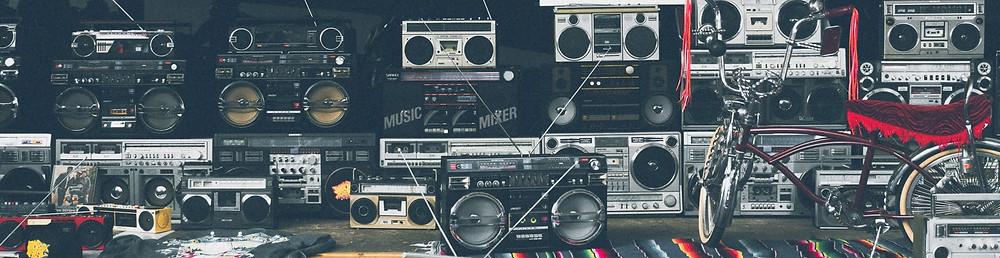 Ouvir rádio e CD