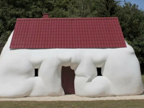 Exposições: O Corpo é a Casa - O divertido Erwin Wurm