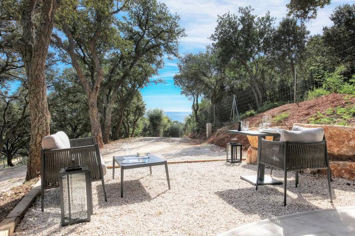 Villa Mathilde terrace and sea view.jpg