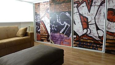 Joseph Vithaya, bon décorateur, Paris 14, 75014 Décoration maison, Clamart, 92, décoration intérieur, sous-sol, moderne, canapé, fauteuil,panneau lumineux, tableau, papier peint, street art