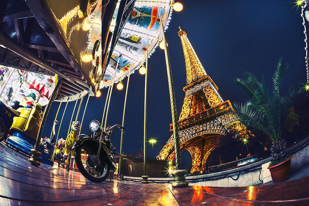 Paris at night. Photographer Irina Logra