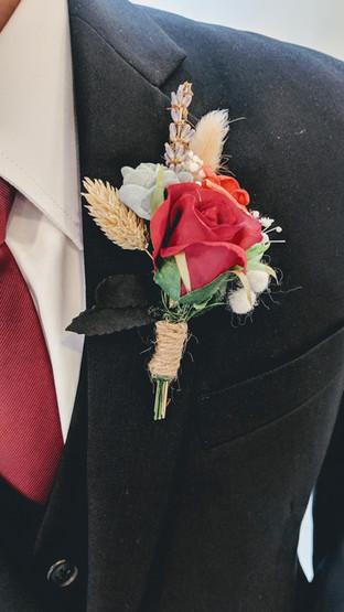 modern rustic groom's corsage.jpg