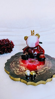 Garnet red bear resin phone stand