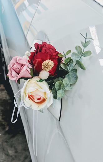 modern rustic wedding car floral decor 1.jpg