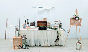 modern rustic lunch wedding decor 4.jpg